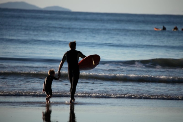 Steve Gwynn - Father and child surfing (2)